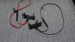 Bluetooth4.1採用のワイヤレスイヤホン「TT-BH07」と「Q12」はどっちが快適かって話